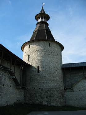 Pskov. Tower located near with place, where is rivers Pskova and Velikaya join.